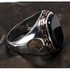 Anel em prata esterlina 925 modelo clássico com pedra ônix estilo e bom gosto