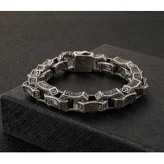 Bracelete em aço inoxidável com gravura quadrada masculina pulseira estilo nódico .